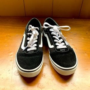 Vans shoes in perfect condition
